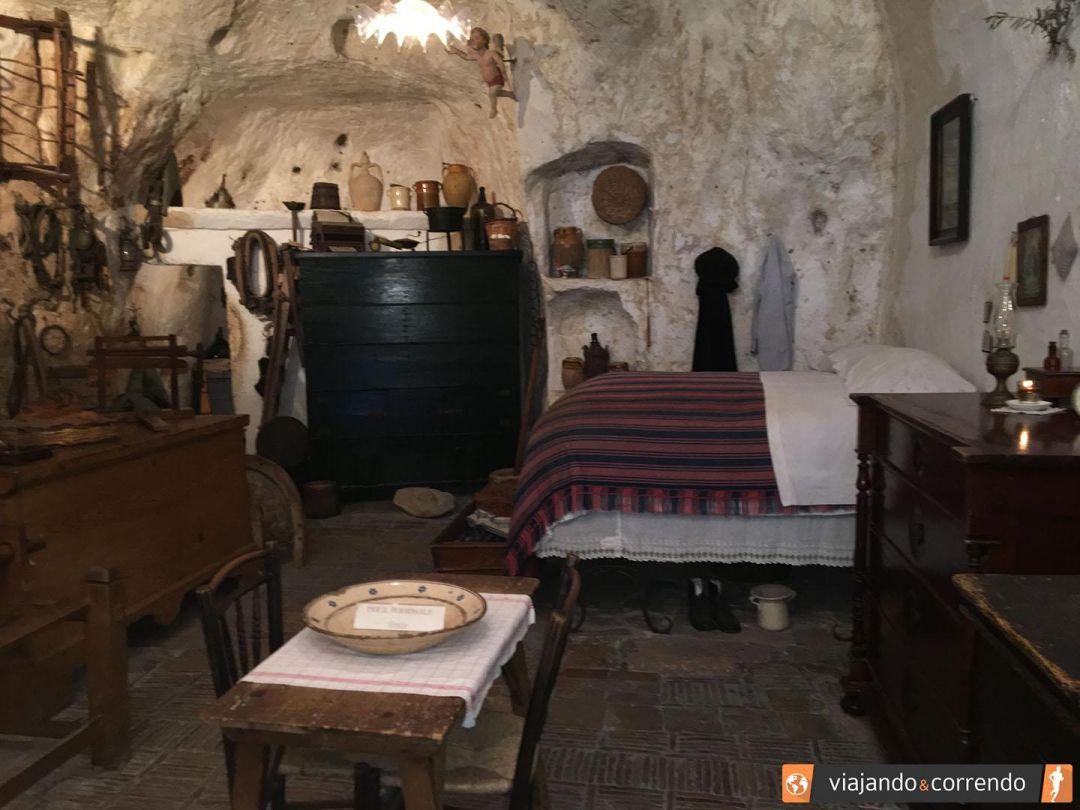 casa-gruta-interior.jpg